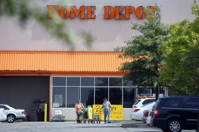 Le détaillant américain Home Depot a affiché mardi un bénéfice de 1,38 milliard... (PHOTO ARCHIVES AP)