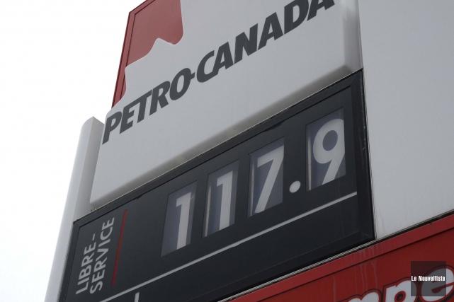 L'essence a connu une hausse significative mardi.... (Photo: Sylvain Mayer, Le Nouvelliste)