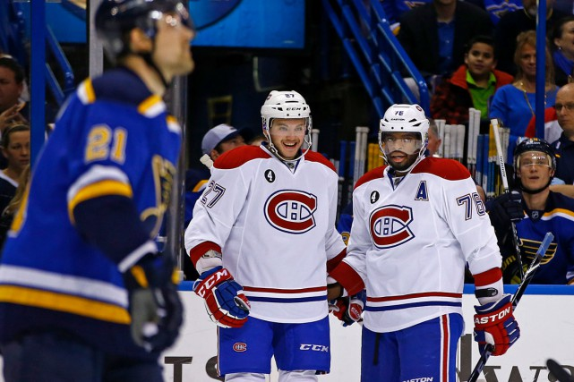 Alex Galchenyuk est félicité par son coéquipier P.K.... (Associated Press)
