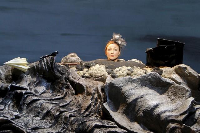 Dans Oh les beaux jours,Catherine Frot incarne avec... (PHOTO PASCAL VICTOR, FOURNIE PAR LE TNM)