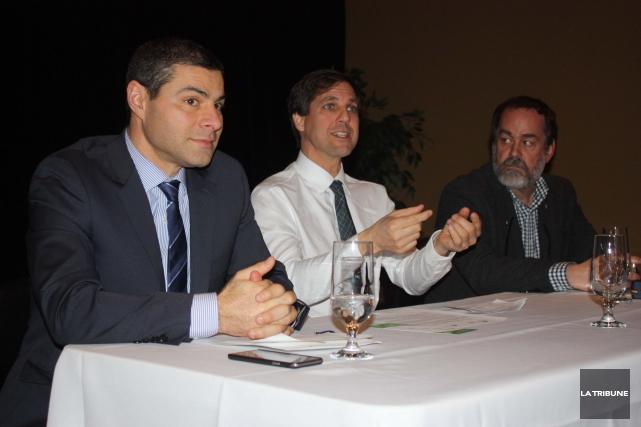 Le maire de Victoriaville, Alain Rayes, accompagné de... (La Tribune, Yanick Poisson)