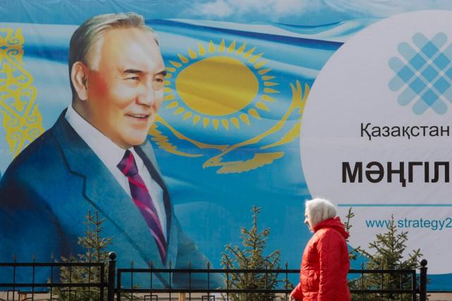 Le parti au pouvoir au Kazakhstan, Nour-Otan, avait... (PHOTO REUTERS)