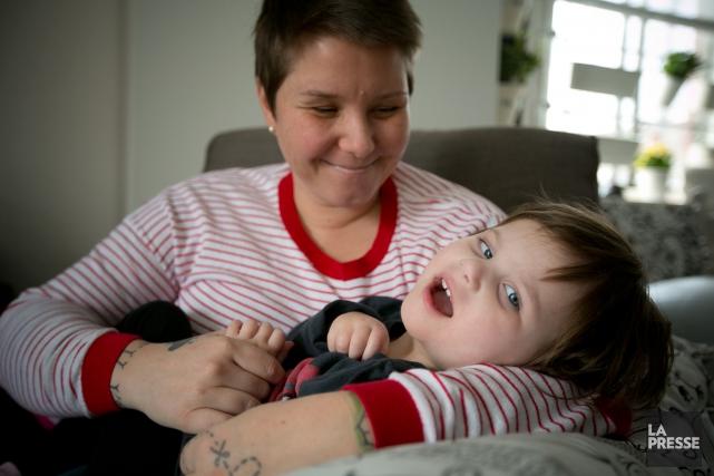 Mélanie Castonguay et sa fille de 3 ans,... (Photo François Roy, La Presse)