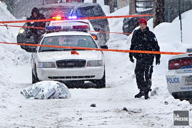 L'homme poignardé dans le Mile-End ce matin n'était... (PHOTO PATRICK SANFAÇON, LA PRESSE)