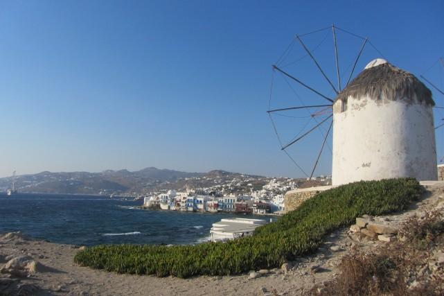 Être flexible, c'est aboutir à Mykonos, en Grèce,... (Photo La Nouvelle, Jonathan Custeau)