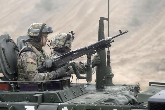 Les pays membres de l'OTAN dépensent toujours moins... (PHOTO INTS KALNINS, ARCHIVES REUTERS)