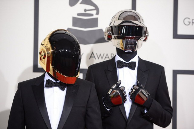 Le groupe français Daft Punk.... (PHOTO ROBYN BECK, AFP)