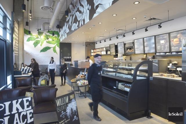 Starbucks a aménagé dans un local de 36... (Le Soleil, Jean-Marie Villeneuve)