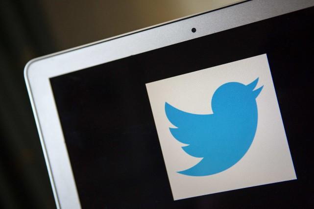 Twitter a annoncé jeudi qu'il allait accentuer ses efforts contre les faux... (PHOTO ARCHIVES REUTERS)