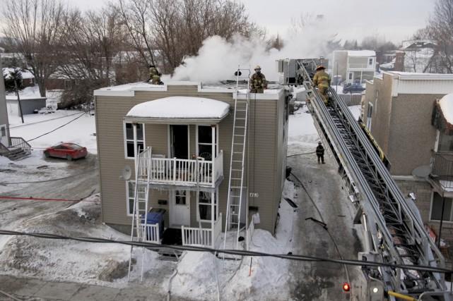 Un incendie d'origine suspecte a lourdement endommagé un... (Photo Julie Catudal)