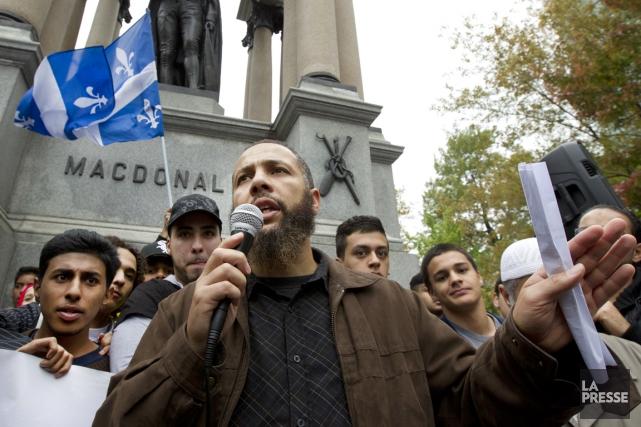 Adil Charkaoui, porte-parole du Collectif québécois contre l'islamophobie... (PHOTO ROBERT SKINNER, ARCHIVES LA PRESSE)