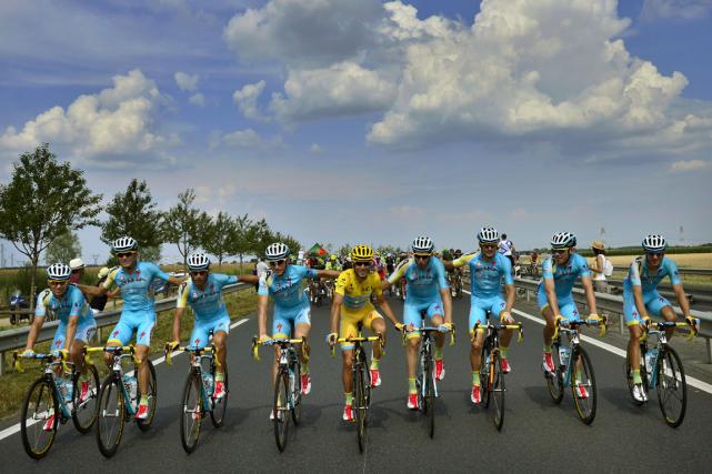 Si sa licence lui était retirée, l'équipe Astana... (Photo Jeff Pachoud, archives AFP)