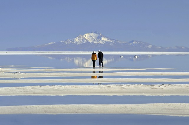 Le salar d'Uyuni, l'un des principaux attraits de... (Photo AFP)