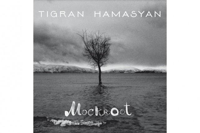 En formation réduite, Tigran Hamasyan relance cet amalgame explosif de jazz, de...