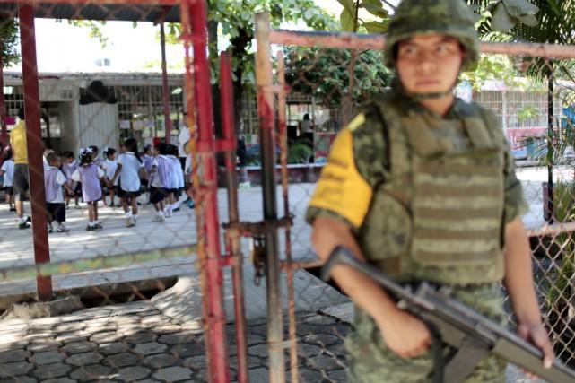 Cela fait un mois que l'armée mexicaine est... (PHOTO PEDRO PARDO, ARCHIVES AFP)