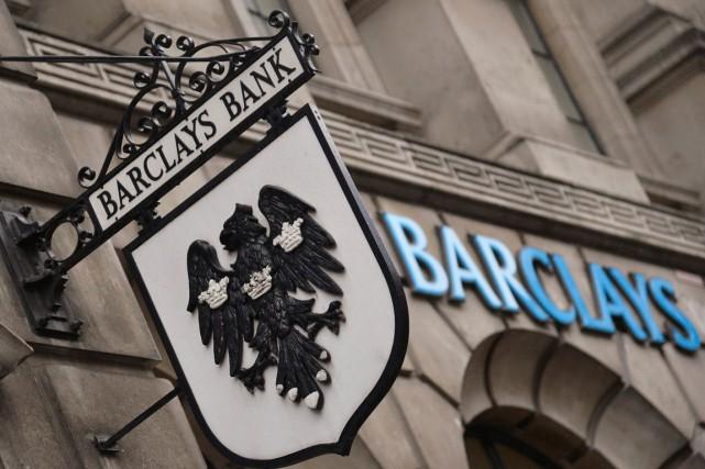 Le secteur bancaire européen (Barclays, Société Générale, Banco... (PHOTO TOBY MELVILLE, ARCHIVES REUTERS)