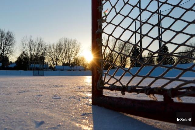 L'horaire des glaces des parcs Lyonnais (photo) et... (Photo Le Soleil, Yan Doublet)