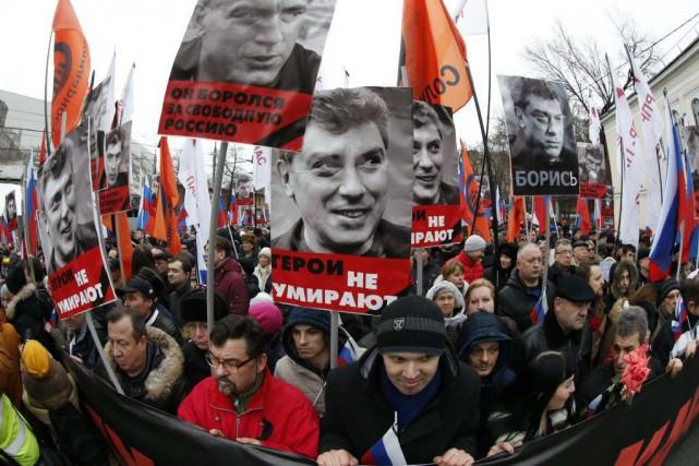 «Il est mort pour l'avenir de la Russie»,... (PHOTO TATYANA MAKEYEVA, REUTERS)