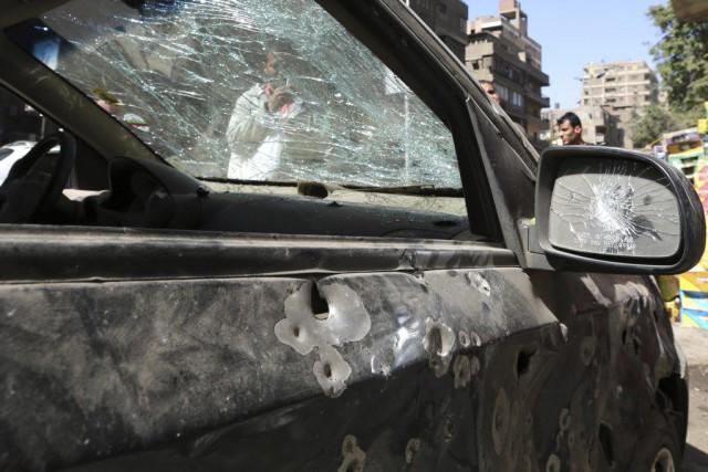 Ce véhicule a été endommagé lors d'une explosion... (PHOTO MOHAMED ABD EL GHANY, ARCHIVES REUTERS)