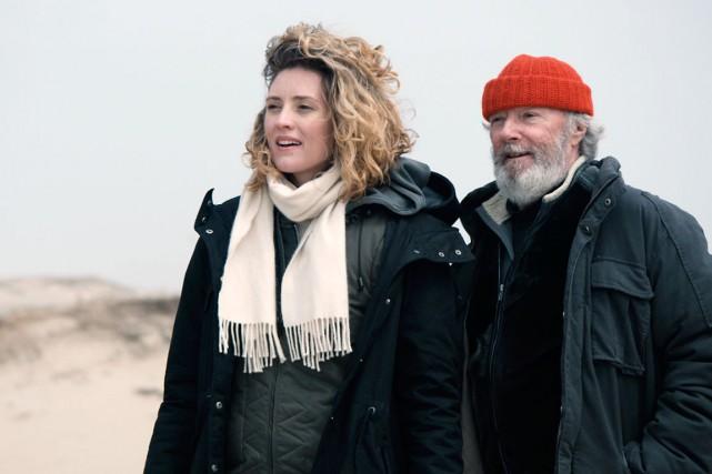 Evelyne Brochu et Gilbert Sicotte dans Les loups... (Photo fournie par Les Films Séville)