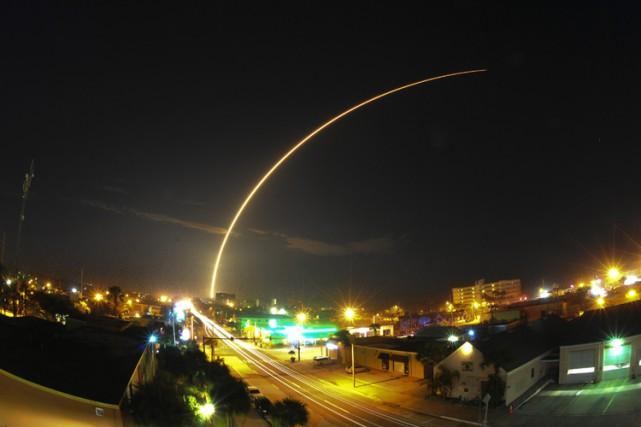 La société américaine SpaceX a lancé dimanche soir avec succès deux satellites... (Photo: AP)