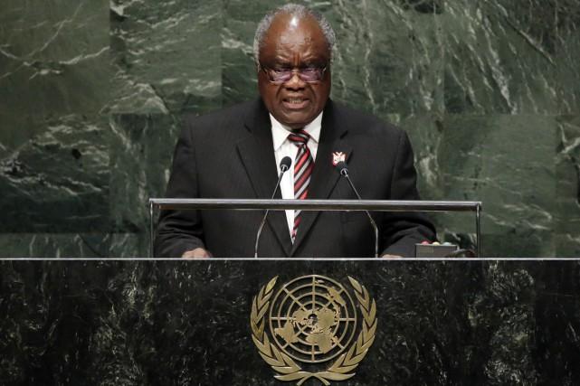 Hifikepunye Pohamba (ci-dessus), élu président en 2004 puis... (PHOTO RICHARD DREW, ARCHIVES AP)