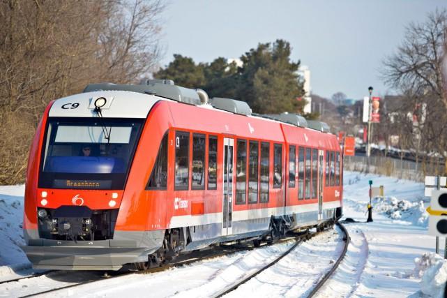 Le train cérémonial, transportant le directeur général d'OC... (Martin Roy, LeDroit)