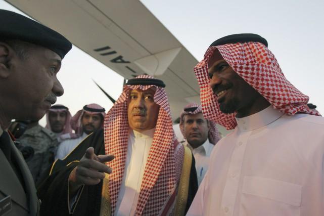 Selon une source tribale, Abdallah al-Khalidi (à droite)... (PHOTO FAISAL AL-NASSER, REUTERS)