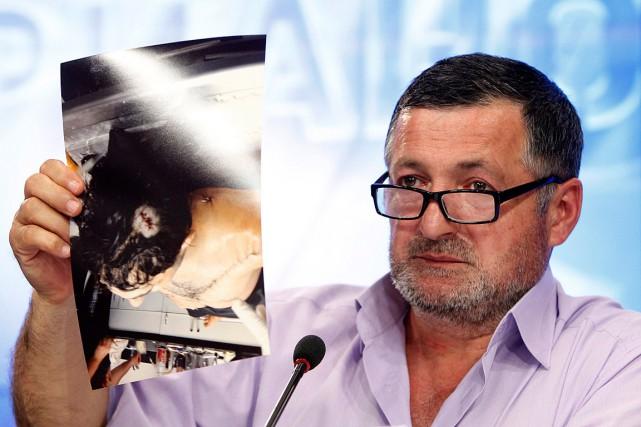 Le père ded'Ibragim Todashev, tué lors d'un interrogatoire... (PHOTO MAXIM SHEMETOV, ARCHIVES REUTERS)