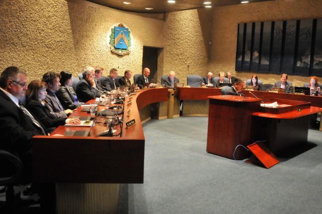 Le conseil municipal de Trois-Rivières pourrait passer de... (Émilie O'Connor)