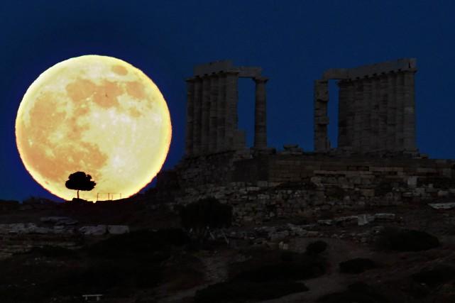 Au-delà de la récente prise de pouvoir par... (Photo Aris Messinis, archives Agence France-Presse)