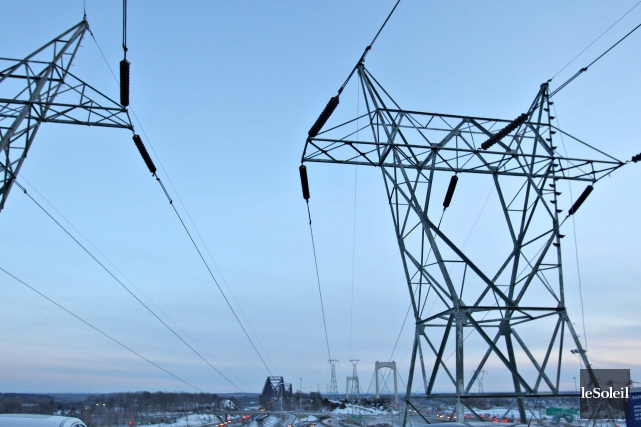 « L'électricité est un produit lié à des... (Photo Pascal Ratthé, archives Le Soleil)