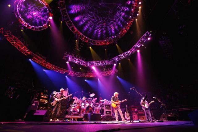 Les Grateful Dead lors d'un concert à Los... (Archives AP)