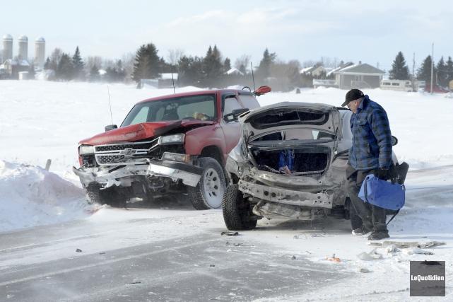 Six voitures ont été impliquées dans un carambolage... ((Photo Le Quotidien, Jeannot Lévesque))