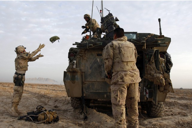 L'accès des médias aux soldats et aux institutions... (Photo: AP)