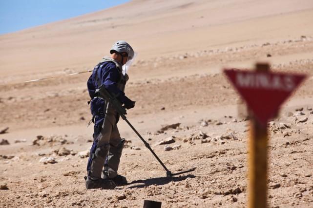 Le Chili avait enterré quelque 12 773 mines... (Archives AFP)