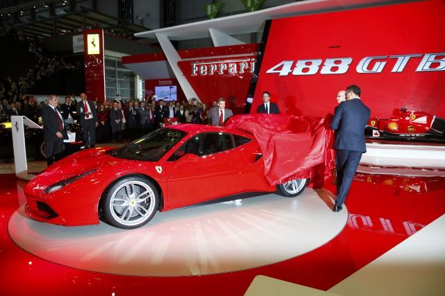 Ferrari a profité de l'événement pour dévoiler sa... (Photo Arnd Wiegmann, Reuters)