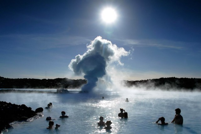 Le lagon bleu, en Islande.... (Photo Leon Neal, AFP)