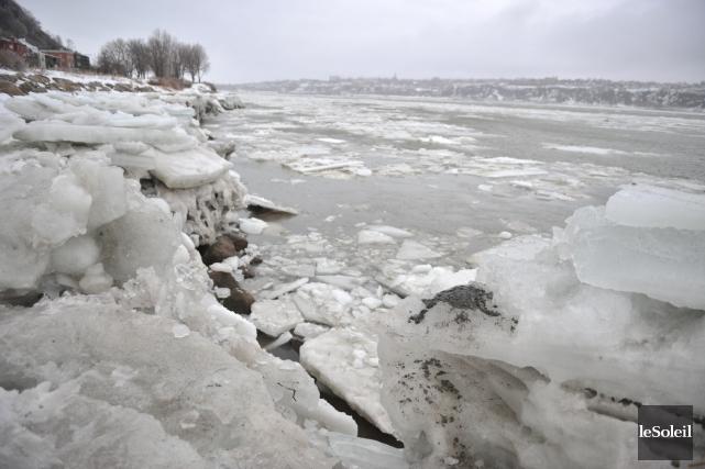 La Garde côtière canadienne affirme que les actuelles conditions de glace dans... (Photothèque Le Soleil)