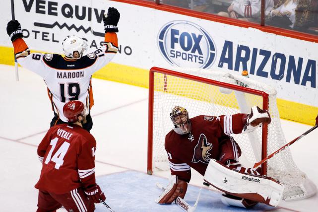 Andrew Cogliano a réussi deux buts et les Ducks d'Anaheim ont mérité une... (Photo Ross D. Franklin, AP)