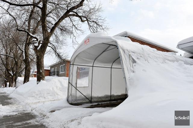 Chaque hiver, environ 700000 abris d'auto poussent un... (Le Soleil, Patrice Laroche)