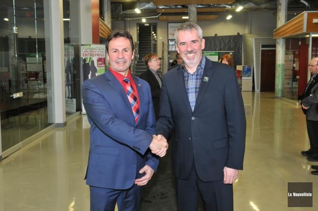 Le maire de Shawinigan, Michel Angers, était heureux... (Photo: Émilie O'Connor Le Nouvelliste)