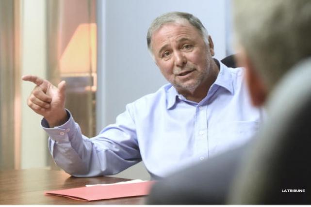 Le ministre de l'Agriculture Pierre Paradis cherche des solutions concernant... (Archives La Tribune)