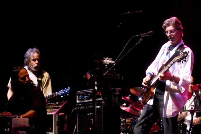 Les Grateful Dead, icônes de la scène hippie... (Photo Noah Berger, Archives AP)