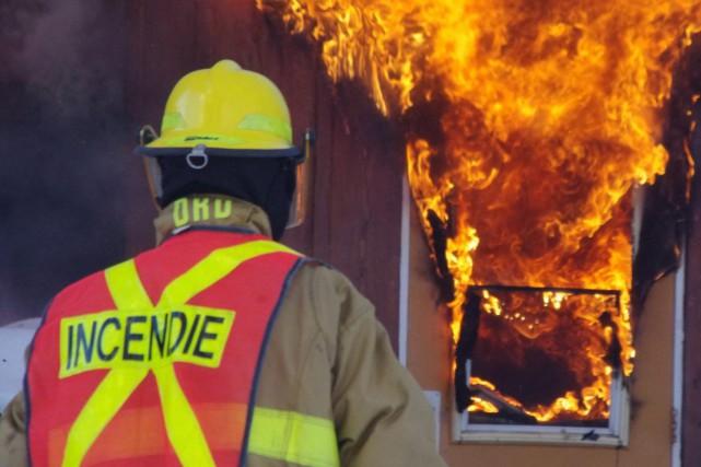 Les pompiers-volontaires du Québec comptent sur un récent jugement de la Cour... (Photo d'archives)