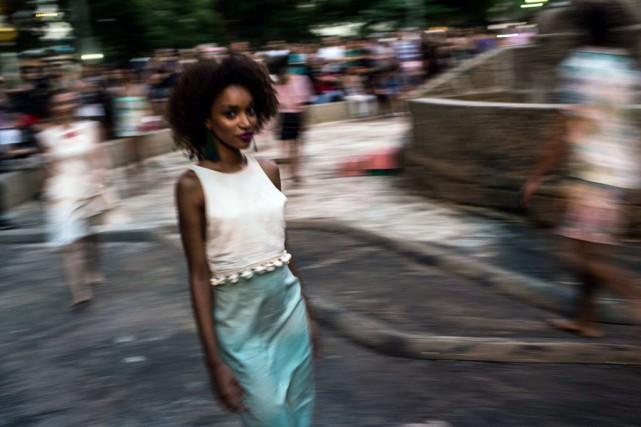 Les 20 modèles présentés ont été créés par... (PHOTO CHRISTOPHE SIMON, AFP)