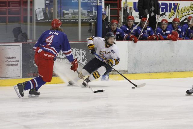 Bien qu'il ait amassé trois points, Érik Longtin,... (Photo Julie Catudal)