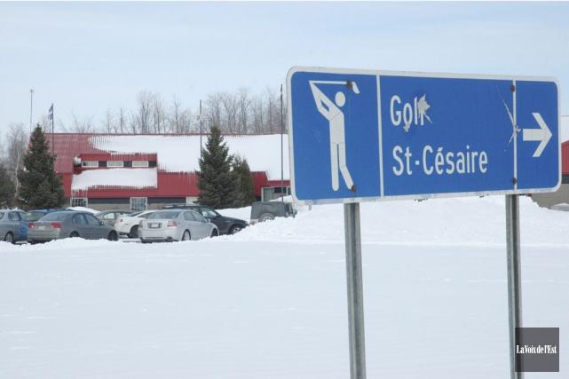 Le golf municipal de Saint-Césaire pourrait bientôt changer... (photo archives La Voix de l'Est)