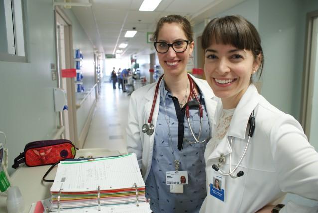 Sur la photo, nous apercevons la docteure Marie-Ève...