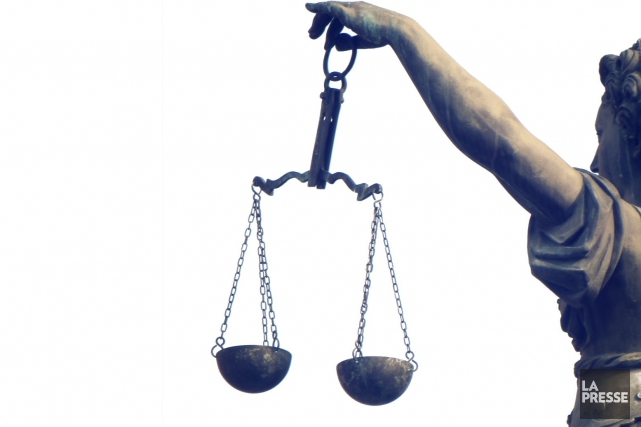 «Alors qu'on essaie de valoriser les tribunaux administratifs...... (Shutterstock, Rob Wilson)